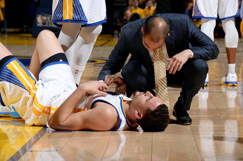 Klay Thompson took a knee to the head in Game 5 of the Western Conference finals. (Getty)