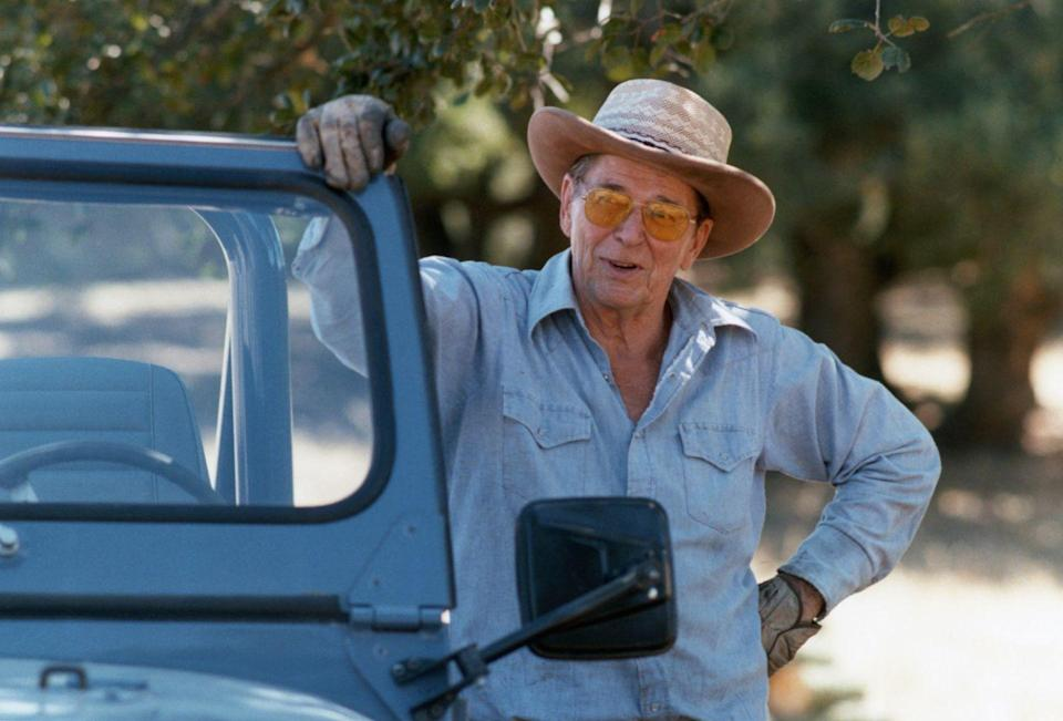 <p>Ronald Reagan gets ready to do some outdoor work at his California ranch in 1985.</p>