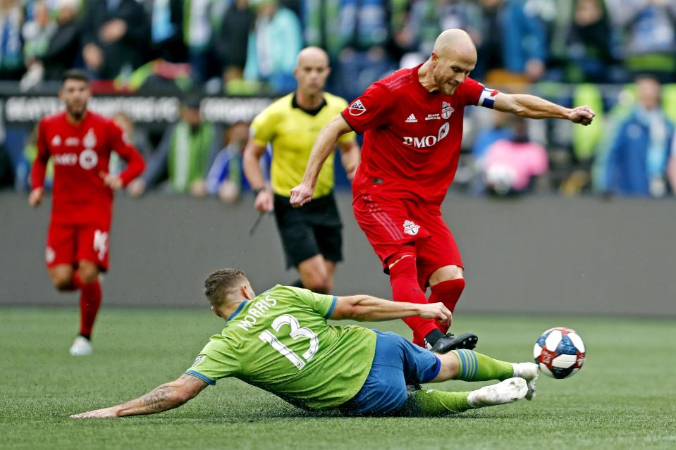 Michael Bradley and Toronto FC have had a ridiculously hard time solving Seattle in MLS Cup finals. (Jennifer Buchanan-USA TODAY Sports)