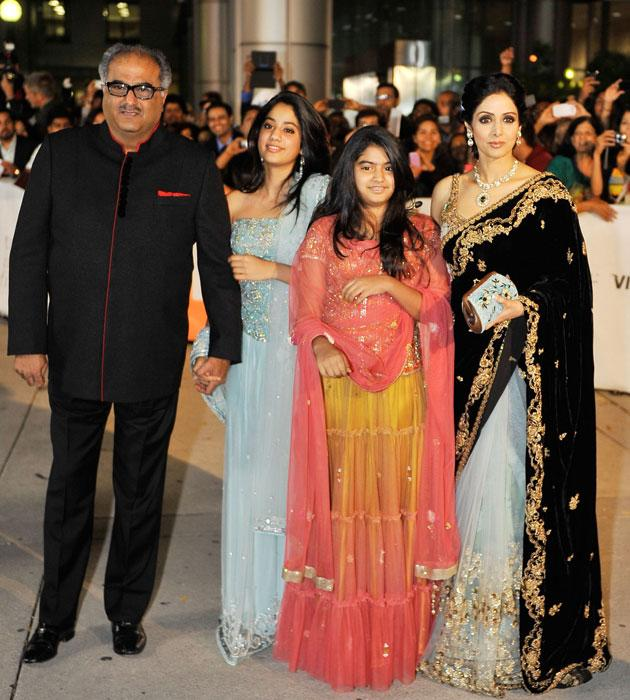 Sridevi with her husband Boney Kapoor and daughters Khushi and Jhanvi