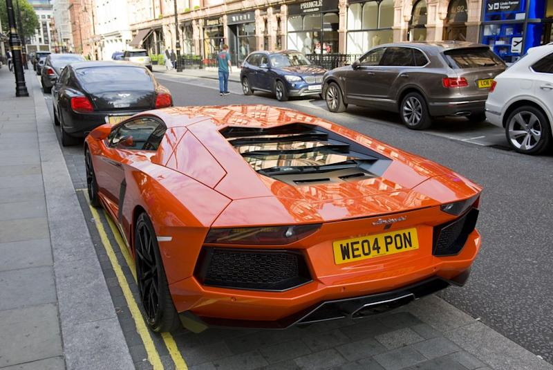 Crypto-related scams are on the rise with victims commonly falling for quick gains from bitcoin for those Lamborghini purchases. | Source: Shutterstock