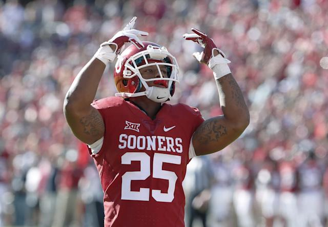 Joe Mixon settled in the civil lawsuit with the woman he punched in 2014. (AP)