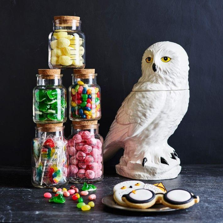 """<p>williams-sonoma.com</p><p><strong>$14.95</strong></p><p><a href=""""https://go.redirectingat.com?id=74968X1596630&url=https%3A%2F%2Fwww.williams-sonoma.com%2Fproducts%2Fharry-potter-bertie-bott-beans&sref=https%3A%2F%2Fwww.housebeautiful.com%2Fshopping%2Fg32479102%2Fharry-potter-gifts%2F"""" rel=""""nofollow noopener"""" target=""""_blank"""" data-ylk=""""slk:BUY NOW"""" class=""""link rapid-noclick-resp"""">BUY NOW</a></p><p>Any <em>Harry Potter</em> fan with an adventurous palette will love being able to try the infamous Bertie Bott's Every Flavor Beans IRL—at least, that is, until they get an earwax-flavored jelly bean.</p>"""