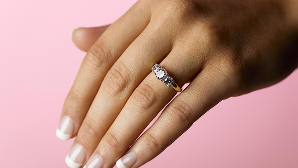 A woman's story about finding her lost wedding ring has left the Internet in stitches. Photo: Getty