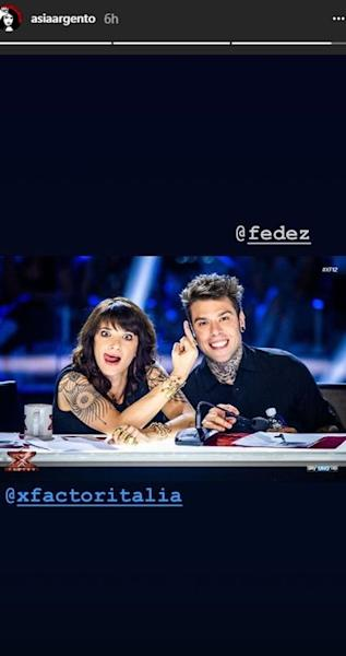 The 42-year-old actress shared a series of pics from the set of Italy's 'X Factor' via Instagram Stories.