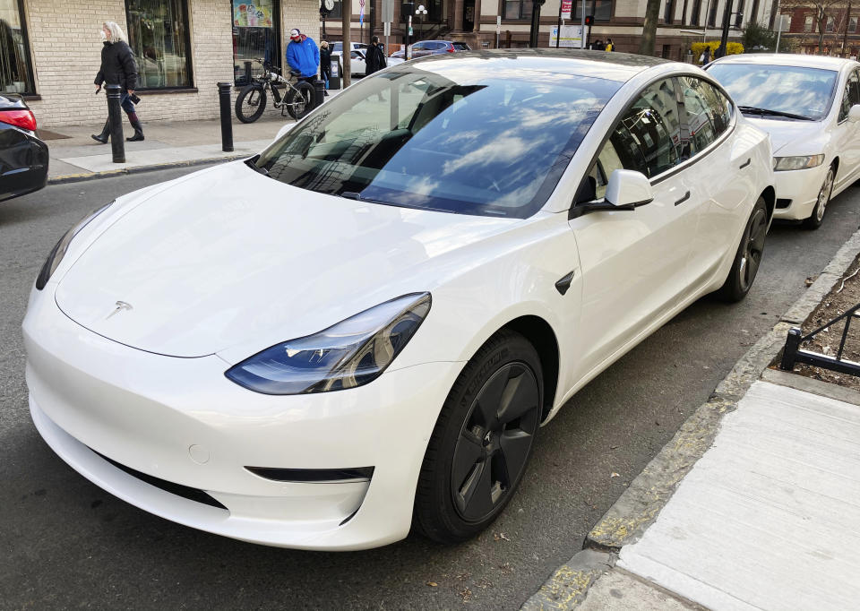 Image source: STRF / STAR MAX / IPx. On April 2, 2021, Tesla's sales in the first quarter were more than twice that of last year.  STAR MAX photo: A Tesla was seen in Hoboken, New Jersey.