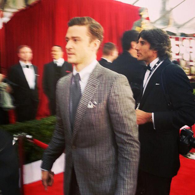 Dear Internet: I almost just died in the process of getting this justintimberlake picture sagawards - @evachen212