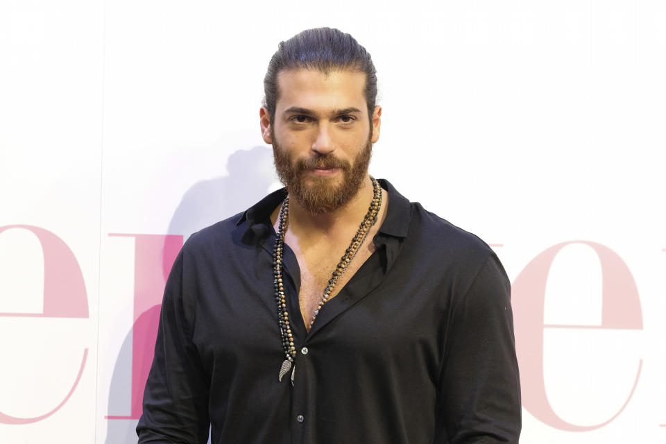 Multato Can Yaman: assembramenti a Roma per vederlo (Photo by Oscar Gonzalez/NurPhoto via Getty Images)