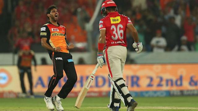 Bhuvneshwar Kumar collected a five-for to help Sunrisers Hyderabad to victory, despite Manan Vohra's 95 for Kings XI Punjab.