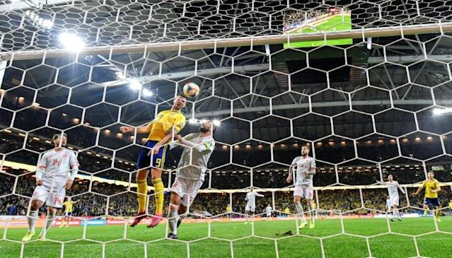 Marcus Berg thought he had won the match for Sweden with his header before Rodrigo struck (AFP Photo/Anders WIKLUND)