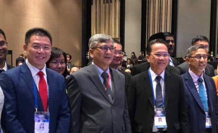 Datuk Liew Vui Keong (second from right) is pictured at the Asean Inter-Parliamentary Assembly in Singapore September 4, 2018. — Picture courtesy of Datuk Liew Vui Keong's office