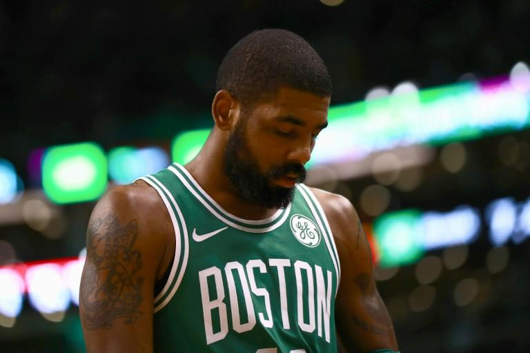 Orlando spoiled the return from injury of Boston point guard Kyrie Irving, whose 40 points couldn't prevent the Celtics from dropping a third straight game