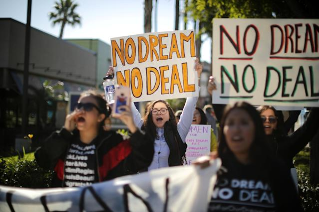 <p>DACA recipients and supporters protest for a clean Dream Act outside Disneyland in Anaheim, Calif., Jan. 22, 2018. (Photo: Lucy Nicholson/Reuters) </p>