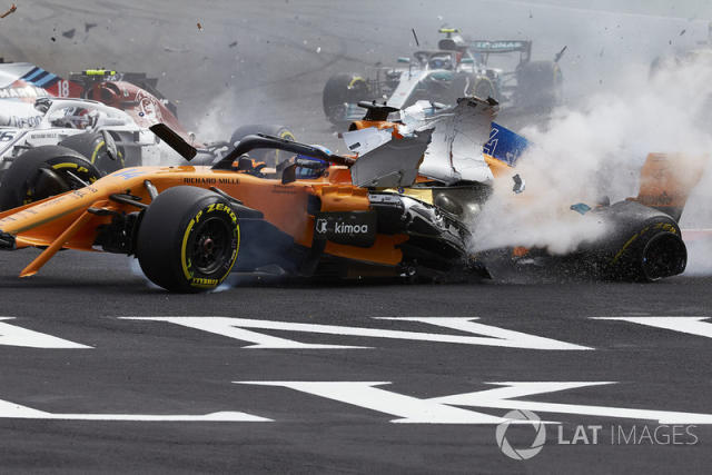 "Accidente de Fernando Alonso, McLaren MCL33 <span class=""copyright"">Steve Etherington / Motorsport Images</span>"