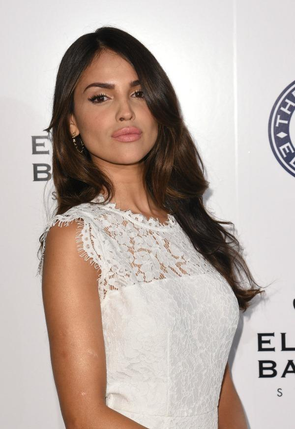 "<p>La mexicana se robó las miradas en el evento ""The Art of Elysium Presents Stevie Wonder's HEAVEN"". </p>"