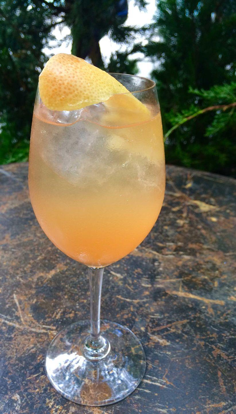 <p><strong>Ingredients</strong></p><p>1 oz Grey Goose vodka<br>.75 oz grapefruit juice<br>.25 oz St. Germain<br>2 oz prosecco</p><p><strong>Instructions</strong></p><p>Combine all ingredients in a shaker, shake, and strain over fresh ice in wine glass. Top with Prosecco. Garnish with grapefruit twist.</p><p><em>From From Percy Rodriguez at L'Amico</em></p>