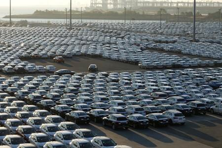 Refile: Sales slumps in China, India clobber automakers banking on Asia for growth