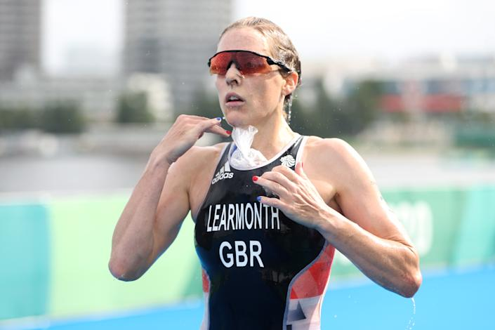 <p>Jessica Learmonth of Team Great Britain attempts to cool down while competing during the Women's Individual Triathlon on day four of the Tokyo 2020 Olympic Games at Odaiba Marine Park on July 27, 2021 in Tokyo, Japan. (Photo by Cameron Spencer/Getty Images)</p>