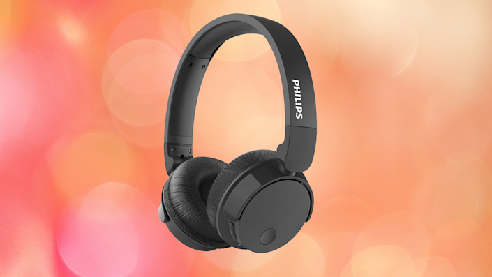 Save a whopping 80 percent on these Philips Bass+ Wireless Noise Cancelling Headphones. (Photo: Walmart)