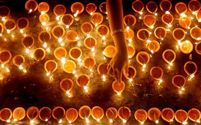 <p>After ban on sale of crackers imposed by Supreme Court, Diwali this year is expected to be less noisy and less toxic in Delhi.</p>
