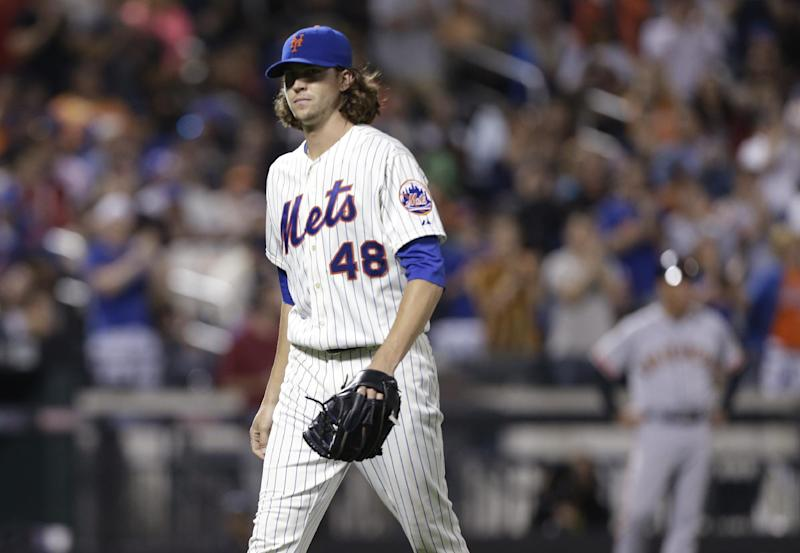 No-hit duel into 7th, Mets' deGrom tops SF's Peavy