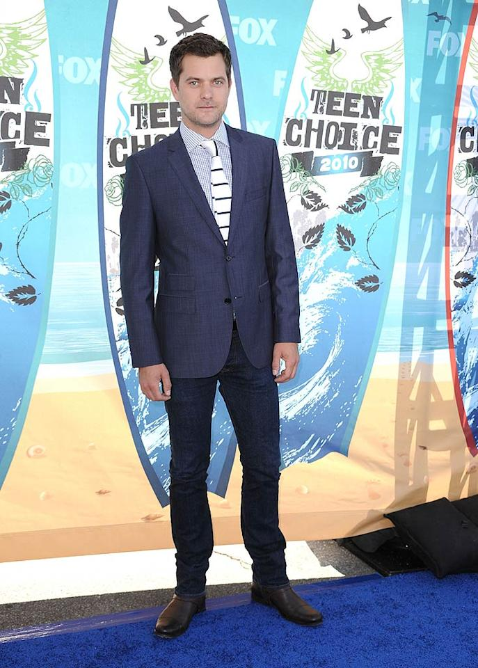 "<b>Joshua Jackson (Grade: A)</b>  The ""Fringe"" hottie -- who we'll forever refer to as Pacey Witter -- was impeccably dressed in a shirt, tie, jacket, and skinny jeans. Steve Granitz/<a href=""http://www.wireimage.com"" target=""new"">WireImage.com</a> - August 8, 2010"