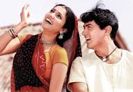 But soon the world took notice of her as she announced her majestic arrival with the colossal <em>Lagaan</em>, that released as <em>Lagaan: Once Upon a Time in India</em>, internationally. Shaped by the masterful direction of Ashutosh Gowariker, Gracy's performance in the said movie won her the <strong>Screen Award for Best Female Debut, IIFA Award for Star Debut of the Year – Female,</strong> and <strong>Zee Cine Award for Best Female Debut. </strong>She was also nominated for the Filmfare Award for Best Female Debut and IIFA Award for Best Actress in the year 2002.