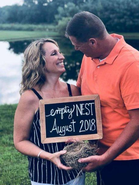 PHOTO: Vicky Piper and her husband pose for an 'empty nest' photo shoot in photos that have now gone viral. (Laura Eskridge)