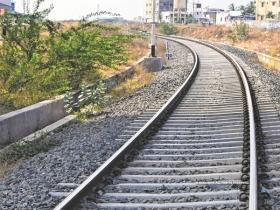 10-year-old girl from Bhandup found dead on railway tracks
