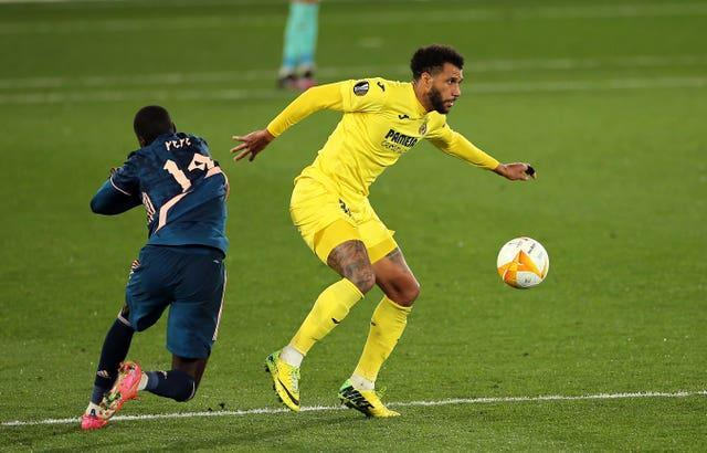 Etienne Capoue was sent off in Villarreal's semi-final first-leg win over Arsenal.