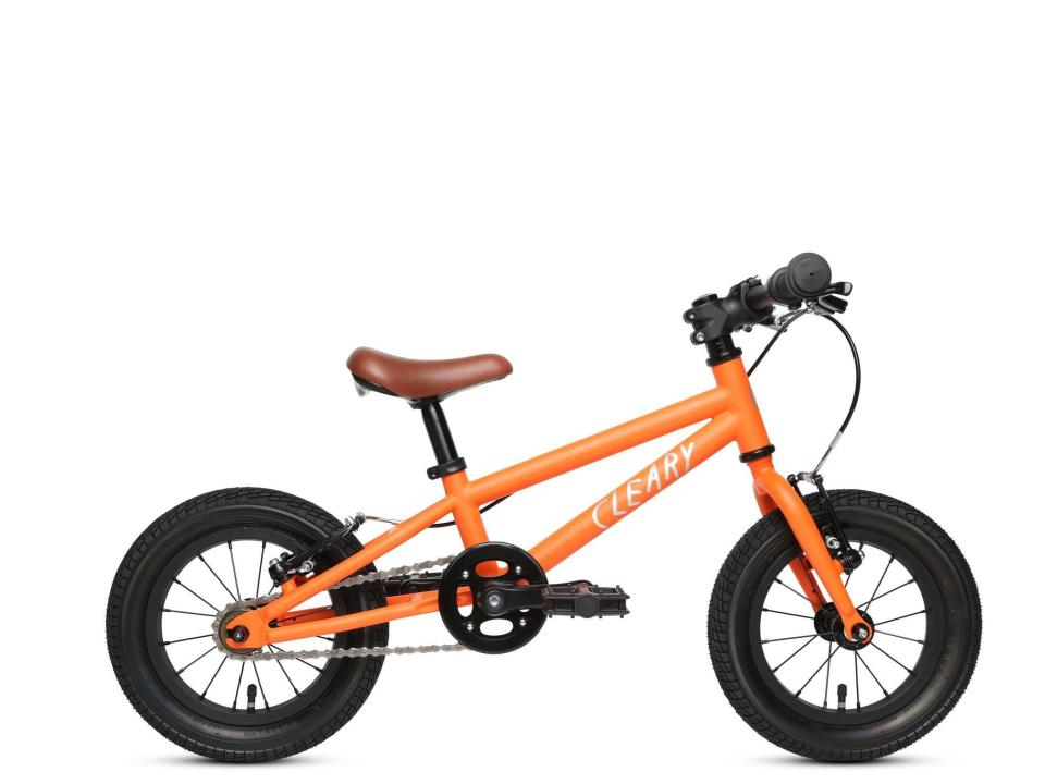 """<p>This <a href=""""https://www.popsugar.com/buy/Clearly-Bikes-Gecko-12-1-Speed-574742?p_name=Clearly%20Bikes%20Gecko%2012%22%201%20Speed&retailer=clearybikes.com&pid=574742&price=310&evar1=moms%3Aus&evar9=47481605&evar98=https%3A%2F%2Fwww.popsugar.com%2Fphoto-gallery%2F47481605%2Fimage%2F47481658%2FClearly-Bikes-Gecko-12-1-Speed&list1=bikes%2Ckid%20shopping&prop13=api&pdata=1"""" class=""""link rapid-noclick-resp"""" rel=""""nofollow noopener"""" target=""""_blank"""" data-ylk=""""slk:Clearly Bikes Gecko 12&quot; 1 Speed"""">Clearly Bikes Gecko 12"""" 1 Speed</a> ($310) features an adjustable seat so it fits a range of young children.</p>"""