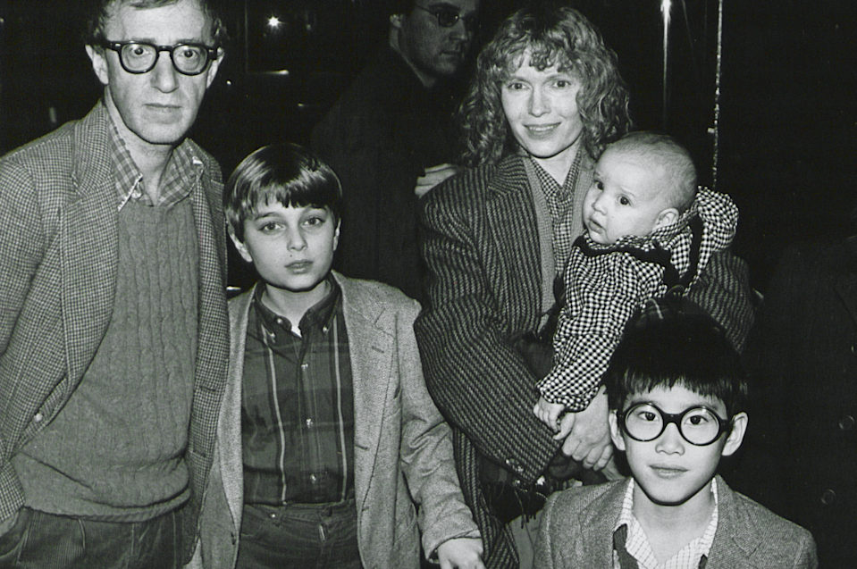 Woody Allen and Mia Farrow pose with their children in New York City in 1986 (Credit: Getty Images)