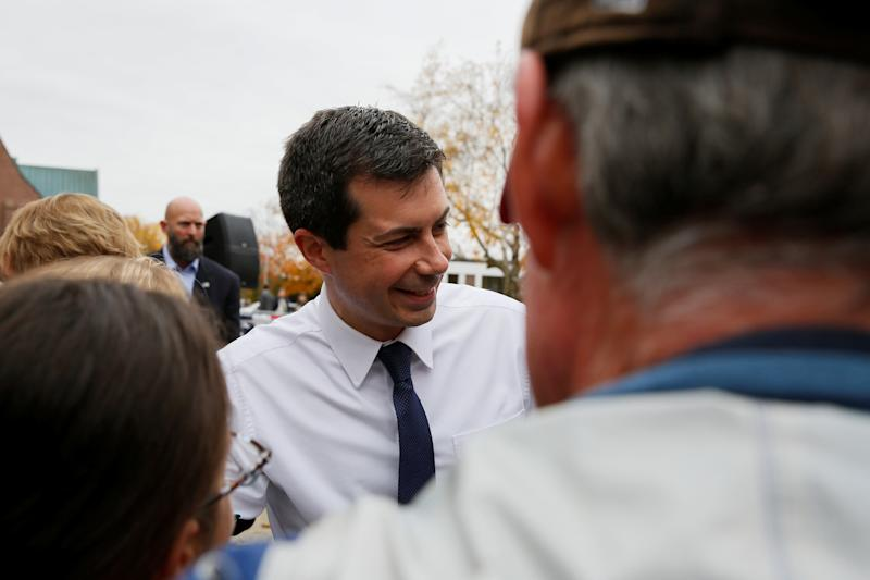 Democratic 2020 U.S. presidential candidate Mayor Pete Buttigieg shakes hands with potential voters at the end of a campaign rally in front of the State House after filing his declaration of candidacy papers to get his name on the ballot for the New Hampshire primary in Concord, New Hampshire, U.S. October 30, 2019. REUTERS/Elizabeth Frantz