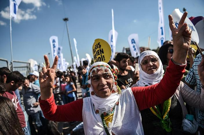 A peace rally against war in Syria on September 4, 2016 in Istanbul (AFP Photo/Ozan Kose)