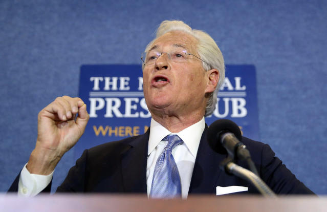 President Trump's attorney Marc Kasowitz speaks at the National Press Club in Washington on June 8, 2017, about the testimony of former FBI Director James Comey. (Photo: Pablo Martinez Monsivais/AP)