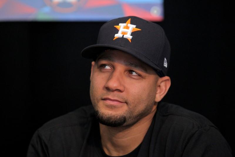 Astros agree to 2020 salary with Gurriel