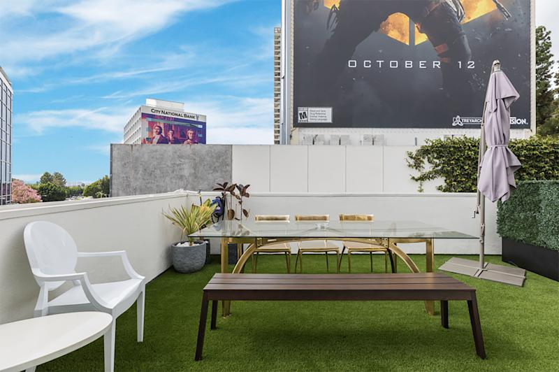 The House on Sunset Partners with Bentley Beverly Hills and Paddle8 to Deliver the Ultimate Oscar Weekend Experience in Their Famed Penthouse Suite