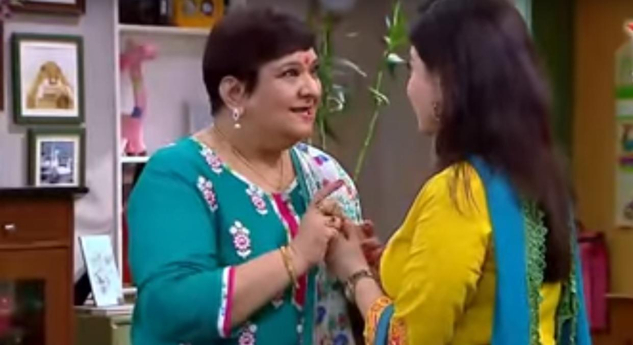 Dolly Walia – I guess by now you all know that Sumit Sambhal Lega is basically a weak remake of the hit American sit-com of Everybody Loves Raymond. And if you think the comedy is doing good, you might have not watched a single episode of ELR. Having said that, Dolly Walia is certainly one adorable mom-in-law you can't hate even if your life depended on it. Sure, she interferes a lot and criticizes Maya's cooking, but all that is in a good spirit. One thing is certain, she doesn't mean any damage to Sumit and Maya's matrimony like the many over-the-top sasumas of the soap opera planet.