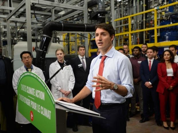 Liberals promise to halve tax rate for clean tech companies as part of long-range climate action plan