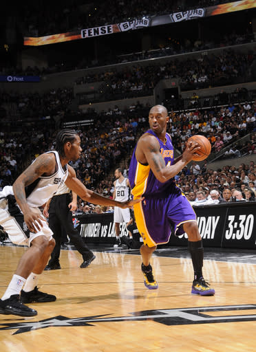 Spurs beats Lakers 121-97