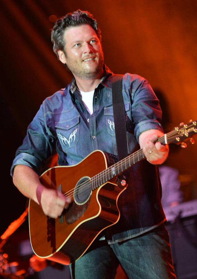 TWIN LAKES, WI - JULY 21:  Singer/Songwriter Blake Shelton performs at Country Thunder - Day 3 on July 21, 2012 in Twin Lakes, Wisconsin.  (Photo by Rick Diamond/Getty Images for Country Thunder)