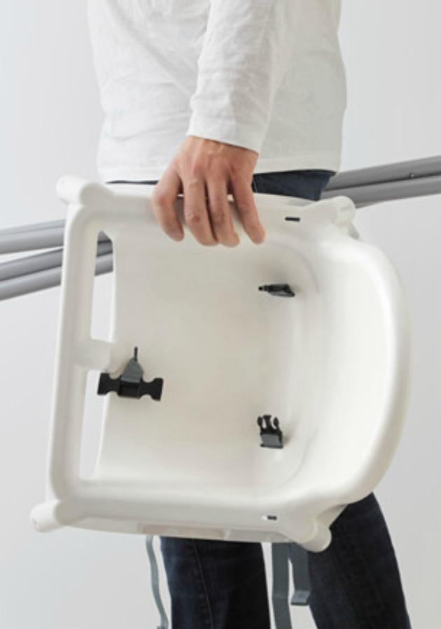 Thanks to the detachable legs, you can then stick the table and the seat into the dishwasher for cleaning. Source: IKEA