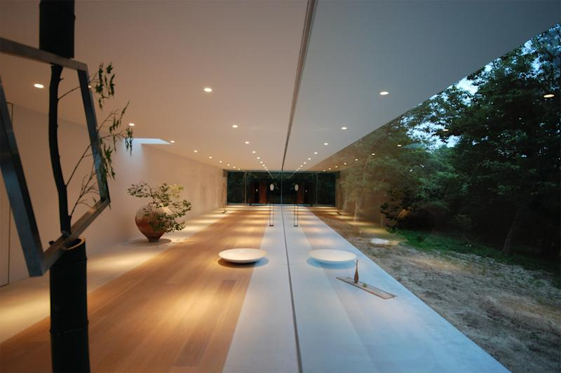 From Homes in Japan. Shinichi Ogawa. S Gallery & Residence, Mie, 2014.