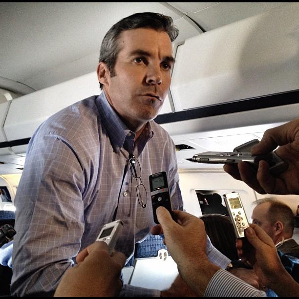 Kevin Madden talks to reporters on the Romney plane en route Iowa @kevinmaddendc
