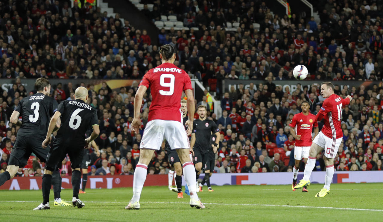 Britain Soccer Football - Manchester United v FC Zorya Luhansk - UEFA Europa League Group Stage - Group A - Old Trafford, Manchester, England - 29/9/16 Manchester United's Wayne Rooney shoots before Zlatan Ibrahimovic scored their first goal Reuters / Darren Staples Livepic EDITORIAL USE ONLY.