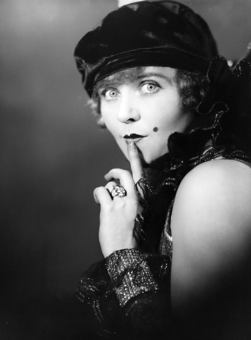 22nd July 1927:  Actress Betty Balfour (1903 - 1978), in a scene from the play, `Up with the Lark'.  (Photo by Sasha/Getty Images)