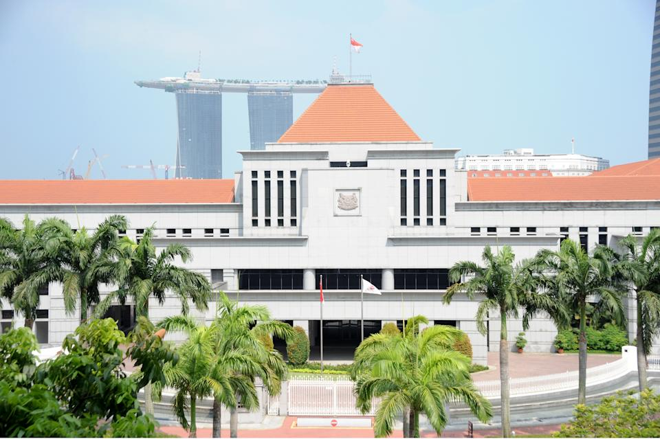 The investigations into two high-ranking senior civil servants were not disclosed earlier to the public as it would jeopardise the process, said Deputy Prime Minister Teo Chee Hean. (Yahoo! Photo)