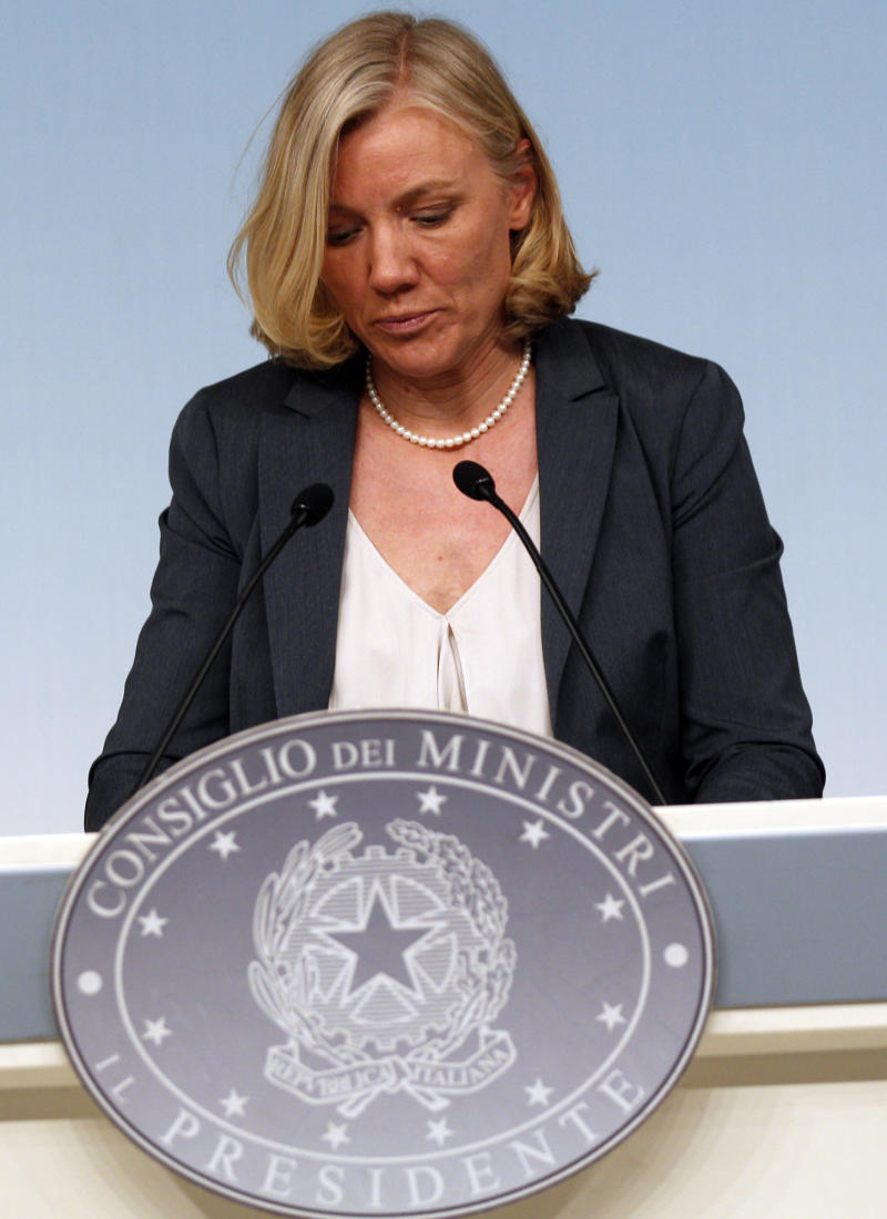 Italy minister resigns over tax troubles