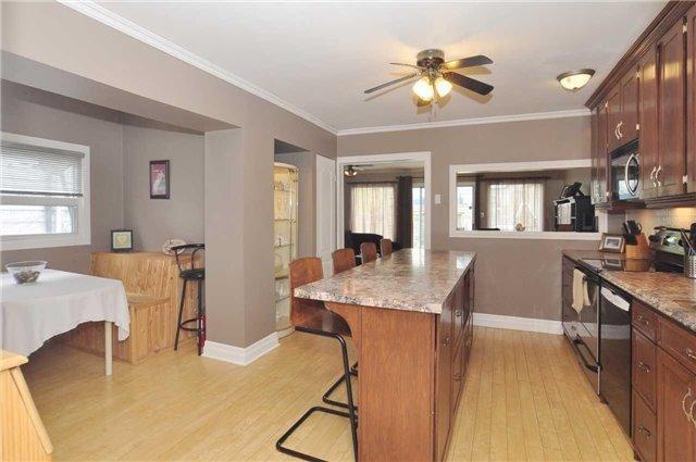<p><span>124 Eastwood Ave., Toronto, Ont.</span><br> The eat-in kitchen has been recently renovated.<br> (Photo: Zoocasa) </p>