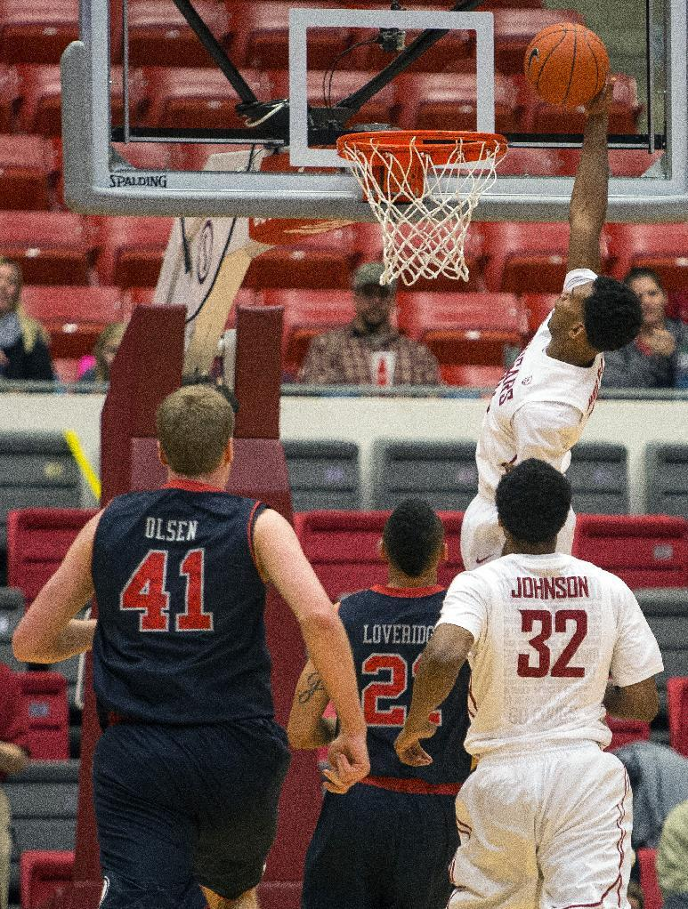 Washington State holds off Utah for 49-46 win